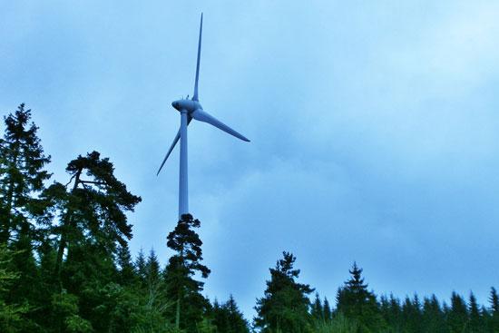 vue d'une éolienne (Lou Paou)